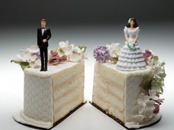 wedding cake split apart to show divorce and split of assets