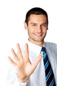 man holding up five fingers for the five tips for defense closing argument