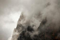 cliff_158409051
